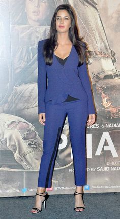 Katrina Kaif at the trailer launch of 'Phantom'. Indian Celebrities, Bollywood Celebrities, Bollywood Stars, Bollywood Fashion, Katrina Kaif Images, Celebrity Style Inspiration, Beautiful Bollywood Actress, Celebrity Outfits, Indian Actresses