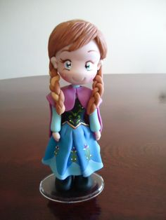 Anna Frozen cake topper