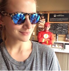 Guys do you think he knows it's me! Mirrored Sunglasses, Sunglasses Women, Shantel Vansanten, The Flash, Face Claims, Instagram Posts, Oc, Guys, Fashion