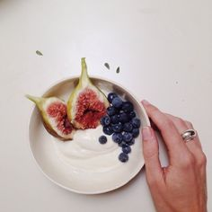MORNING GEMS // Starting the day with royal figs and berries. A little bit of morning luxury for the big day ahead.