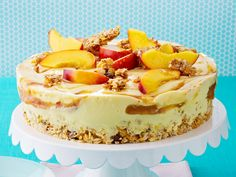Fruchtige Buttermilch-Knusper-Torte