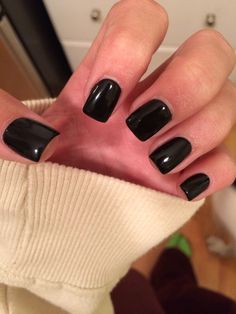 Simple black gel nails. Short and square. Perf.
