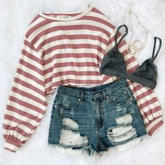 38 Spring Outfits You Will Got Want To Wear Find and save ideas about spring style on Women Outfits. Cute Summer Outfits, Cute Casual Outfits, Short Outfits, Spring Outfits, Winter Outfits, Cute Outfits With Shorts, Outfits For School Summer, Denim Shorts Outfit, Long Sleeve Outfits
