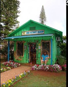 Dis n Dat Shop, Lanai City, Hawaii ~ I bought some cute souvenirs at this little shop!