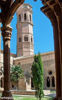 ZARAGOZA -Monasterio de Rueda Temples, Wonderful Places, Beautiful Places, Madrid Barcelona, Road Trippin, Andalucia, Seville, Spain Travel, Granada