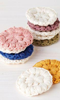 Virkatut puhdistuslaput   Meillä kotona Yarn Crafts, Diy And Crafts, Arts And Crafts, Crochet Fashion, Doilies, Handicraft, Knitting Patterns, Knit Crochet, Upcycle