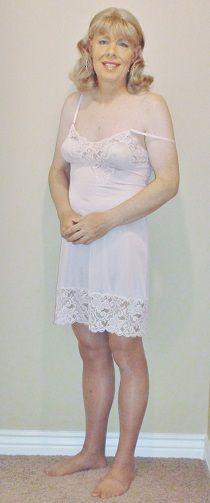Crossdressing Picture Gallery 19 - Silky Slips