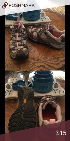Merrell athletic shoes Sz 7.5 Merrell Sz 7.5 athletic Sneakers are Tan, gray with pink trim. Used condition. merrell Shoes Athletic Shoes