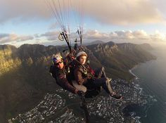 This is something really spectacular to do - Paragliding over Table Mountain, Cape Town