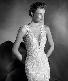 NILAY - Brautkleid im Meerjungfrau-Stil mit V-Ausschnitt und Trägern aus Spitze…