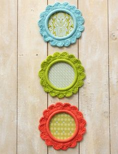 """Yarnspirations.com - Lily """"Pretty as a Picture"""" Frames - Patterns    Yarnspirations"""