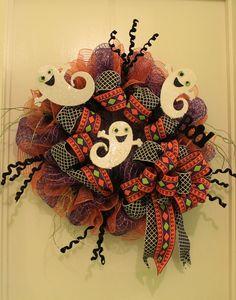 Dancing Ghost Mesh Halloween Wreath