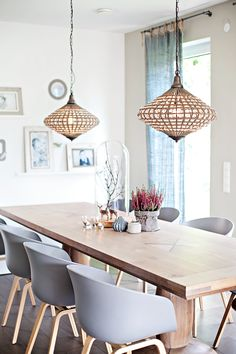 A great dining room in bright colors and stylish furniture. More ideas … A great dining room in bright colors and stylish furniture. More ideas … Dining Room Inspiration, Interior Inspiration, Sweet Home, Decoration Table, Dining Room Design, Style At Home, Home Fashion, Home And Living, Living Rooms