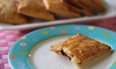 These pop tarts are a homemade version of that famous American breakfast favourite. You can have these tarts ready in 15 minutes.