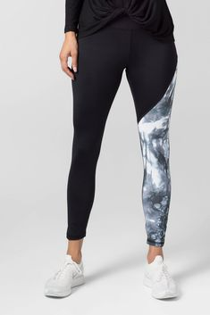 Signature Legging in Glacier – Daub + Design Tie Dyed, Real Women, Workout Pants, Soft Fabrics, Color Blocking, Active Wear, Leggings, Originals, Giveaway