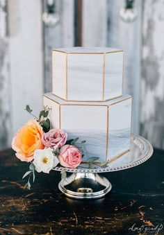Wedding Trends : Marble Wedding Cakes #modernweddingcakes