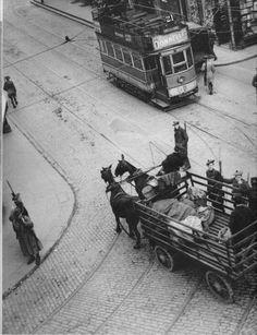 The Black & Tans search a mail cart outside Dublin Castle 1920 Castle Burn, Dublin Castle, Book Cover Design, Past, Ireland, Irish, Monster Trucks, Military, History