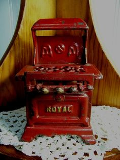 ROYAL arcade stove cast iron doll house furniture gas cookstove Royal