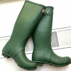 Hunter Original Tall rain boots The iconic original tall rain boot. Natural rubber boots with textile lining and rubber outsole. Handcrafted and waterproof. Selling for friend, only worn 3-4 times. Inside sizing reads UK 5 US 6M/7W EU 38. Hunter Boots Shoes Winter & Rain Boots