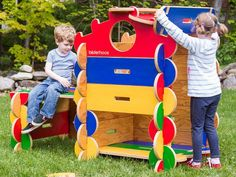 American-made, sustainable, and larger-than-life creativity. Kids easily build impressive structures while stretching their imaginations.