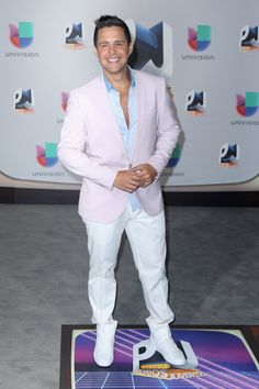 Pin for Later: All the Fiery Red Carpet Looks You Need to See From This Year's Premios Juventud Santiago Arias