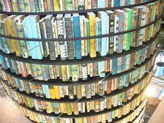 """Gabriele Palumbo presenta a Grottaglie il suo romanzo """"Ci siamo solo persi di vista"""" - http://www.grottaglieinrete.it/it/gabriele-palumbo-presenta-a-grottaglie-il-suo-romanzo-ci-siamo-solo-persi-di-vista/"""