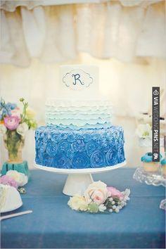 blue and white wedding cake | CHECK OUT MORE IDEAS AT WEDDINGPINS.NET | #weddingcakes