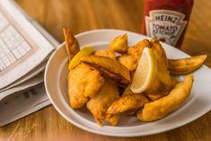 Fish and chips recept recept foto Keto Fast Food Options, Parmesan Risotto, Hungarian Recipes, Fish And Chips, Fish Recipes, Chicken Wings, Carrots, Nom Nom, Vegetables