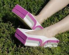The latest tips and news on Crazy Shoes are on Fash-Eccentric! you will find everything you need on Crazy Shoes. Wierd Shoes, Funny Shoes, Crazy Shoes, Me Too Shoes, Creative Shoes, Unique Shoes, Crazy High Heels, Nike Inspiration, Weird Fashion