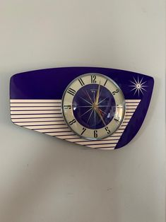 Mid Century Modern Design, Mid Century Style, Clock Drawings, Novelty Clocks, Wall Clock Hands, Retro Girls, Bright Purple, French Antiques, Retro Style
