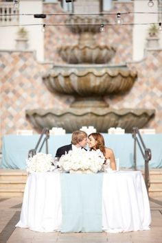 Blue and White Wedding-Sweetheart-Table
