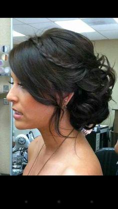 Cute beach wedding hairstyle