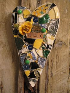 Eccentricities, Mosaics by Kelly Aaron: Busy Bee!!