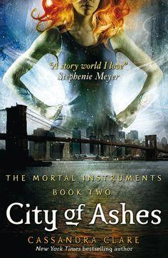 Amazon.com: City of Ashes (Mortal Instruments) (9781416972242): Cassandra Clare: Books