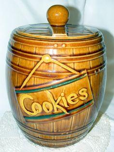 Vintage McCoy Cookie Jar Barrel style 50s by OakleafHollowVintage,