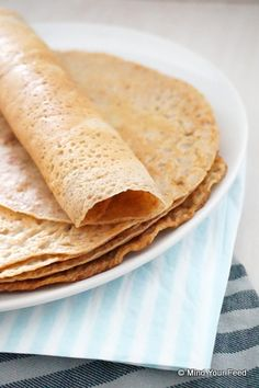Spelt wraps - Mind Your Feed Vegan Recipes, Cooking Recipes, Go For It, Wrap Sandwiches, Good Food, Dinner Recipes, Breakfast, Ethnic Recipes, Pancakes