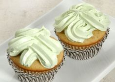 Pistachio cupcakes...if pistachio frozen yogurt is delicious, then surely these must be too?