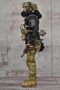 Tips in Choosing a Paintball Marker Special Forces Gear, Military Special Forces, Tactical Equipment, Military Equipment, Survival, Tactical Armor, Military Action Figures, Airsoft Gear, Tac Gear