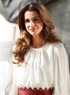 Queen Rania and Queen Letizia visit a Molecular Biology Centre