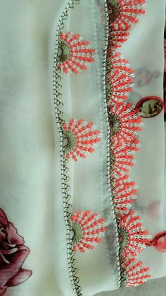 We have compiled free needle lace patterns and samples for every skill level. Browse lots of Free Crochet Patterns and Samples. Crochet Edging Patterns, Lace Patterns, Knitting Patterns, Waverly Fabric, Collage Book, Crochet Needles, Needle Lace, Lace Making, Baby Blanket Crochet