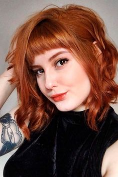 gorgeous ginger hair color shades to upgrade your look 32 Curly Hair With Bangs, Short Hair With Bangs, Cute Hairstyles For Short Hair, Short Hair Cuts, Curly Hair Styles, Short Pixie, Short Copper Hair, Trendy Hairstyles, Curly Bob