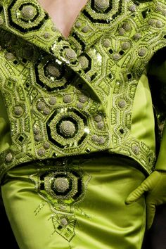 Dior haute couture love this lime green Couture Details, Fashion Details, Fashion Design, French Fashion, High Fashion, Womens Fashion, Christian Dior, Alexander Mcqueen, Green Fashion