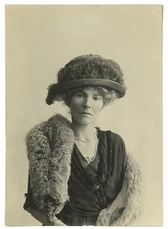 Gertrude Bell with Hat and Fox, 1921 - Letters from Baghdad (2017)  Writer, traveller, archaeologist, diplomat, spy