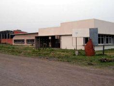Vecinos piden la finalización de la escuela media de Villa Ana