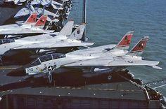 161863\AE-210 F-14A VF-31 'Tomcatters; NAS Oceana, USS Forrestal (CV-59)   par Stuart Freer - Touchdown Aviation
