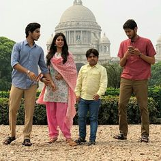 Yet another shot of Ishan & Janhvi from the sets of Dhadak in Kolkota General Knowledge Facts, Sara Ali Khan, Bollywood Stars, Celebs, Celebrities, Stylish Dresses, Couple Goals, Give It To Me, Star Kids