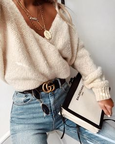 Tired of wearing the same skinny jeans outfits every single day?Upgrade your go-to skinny jeans outfits with chic styling tips that never go out of style. Look Fashion, Girl Fashion, Winter Fashion, Fashion Outfits, Feminine Fashion, Spring Fashion, Fashion Women, Fashion Ideas, Fashion Trends