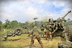 Italian Army - 1st Mountain Artillery Regiment exercise - Italian Army - Wikipedia Italian Army, Fortification, Cannon, Military Vehicles, Guns, Weapons, Law, Mountain, Album