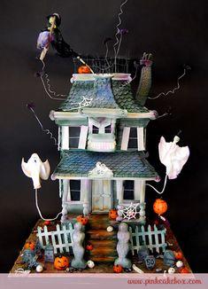 Amazing Cake Art ~ Halloween Haunted House Cake, look Jordan! Crazy Cakes, Fancy Cakes, Cute Cakes, Spooky Halloween Cakes, Dessert Halloween, Theme Halloween, Haloween Cakes, Pink Halloween, Festa Hotel Transylvania
