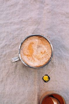 Vanilla rooibos tea latte - to try sometime...